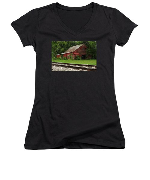 On A Tennessee Back Road Women's V-Neck T-Shirt