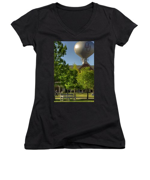 Ou Campus Women's V-Neck T-Shirt