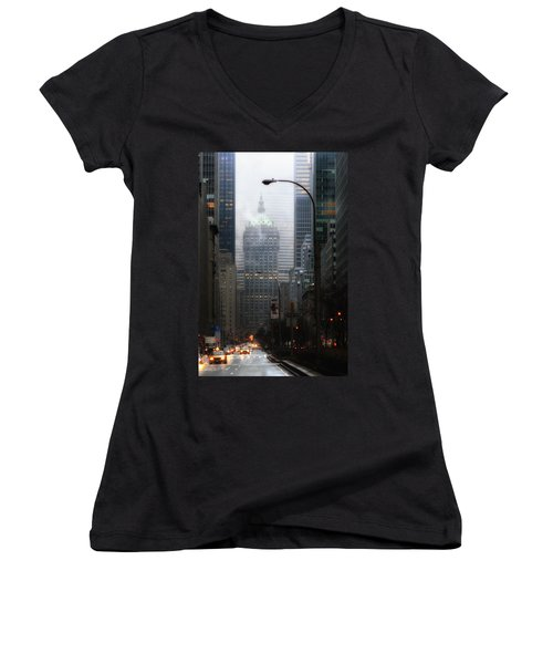 Park Avenue Dawn In Color Women's V-Neck