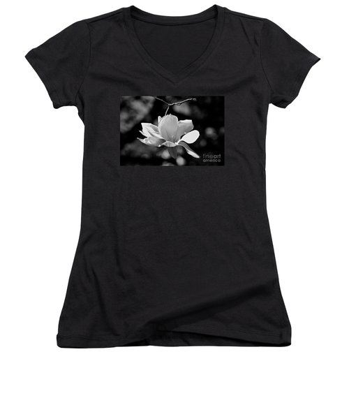 Perfect Bloom Magnolia In White Women's V-Neck