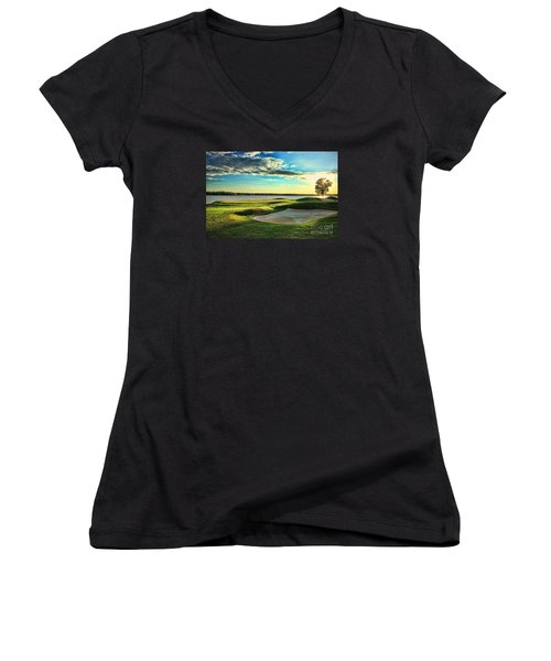 Perfect Golf Sunset Women's V-Neck T-Shirt