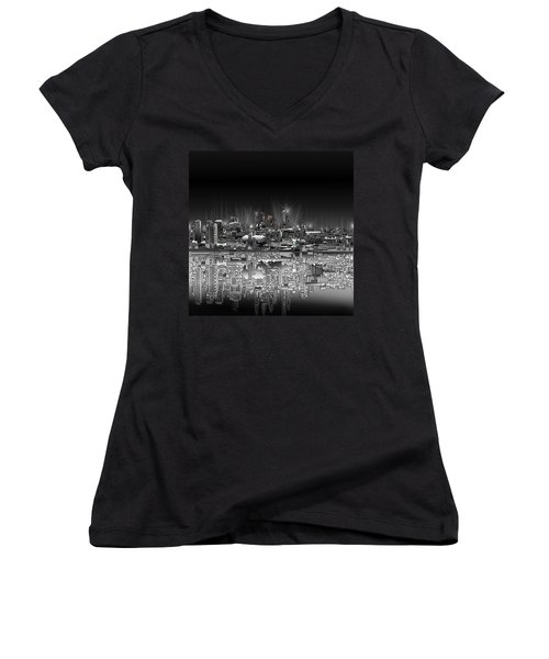 Philadelphia Skyline  Gradient Women's V-Neck T-Shirt