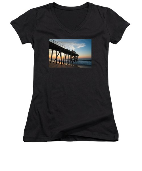 Pier Side Women's V-Neck