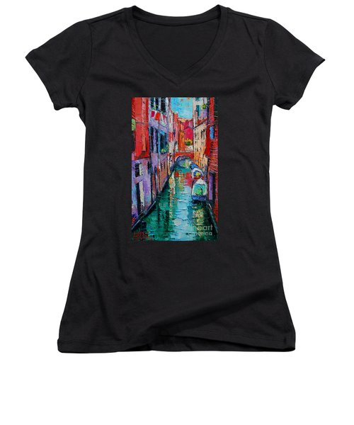 Ponte Raspi O Sansoni - Venice - Italy Women's V-Neck (Athletic Fit)