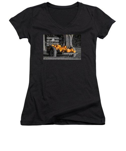 Pumpkin Cart Women's V-Neck T-Shirt