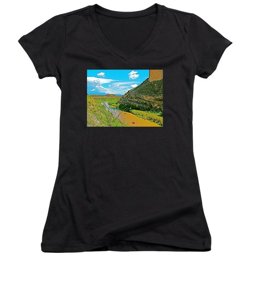 Rafting In Santa Elena Canyon In Big Bend National Park-texas Women's V-Neck T-Shirt