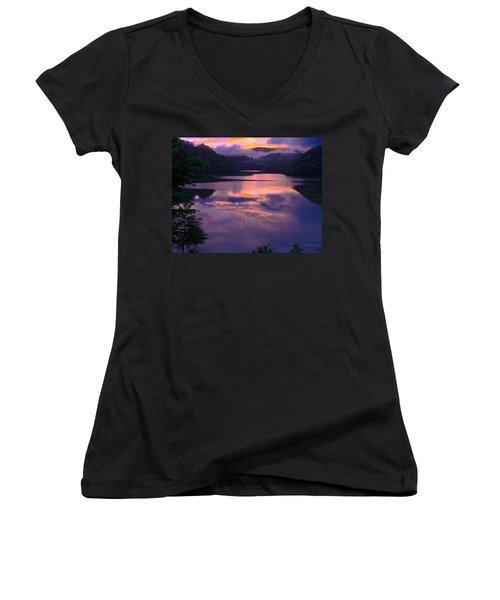 Reflected Sunset Women's V-Neck T-Shirt