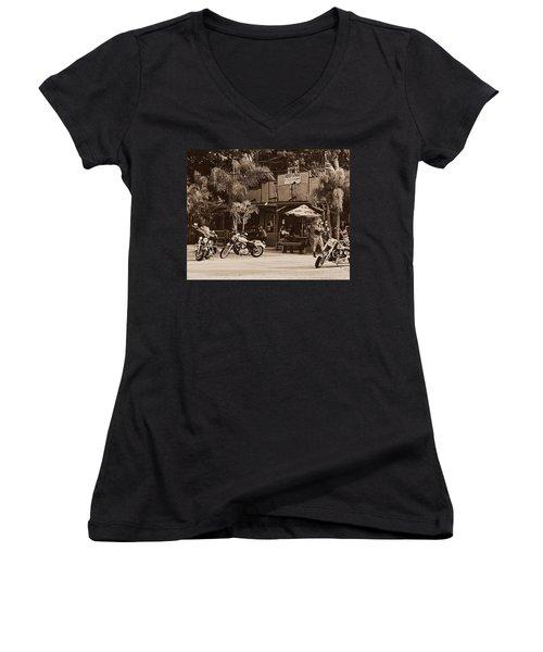 Roadhouse Women's V-Neck T-Shirt