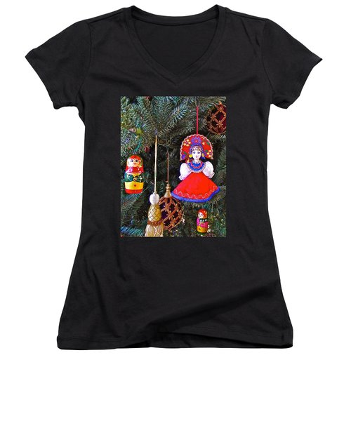 Russian Christmas Tree Decoration In Fredrick Meijer Gardens And Sculpture Park In Grand Rapids-mi Women's V-Neck T-Shirt