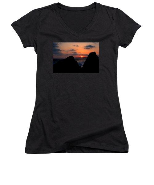 San Clemente Rocks Sunset Women's V-Neck T-Shirt (Junior Cut) by Matt Harang