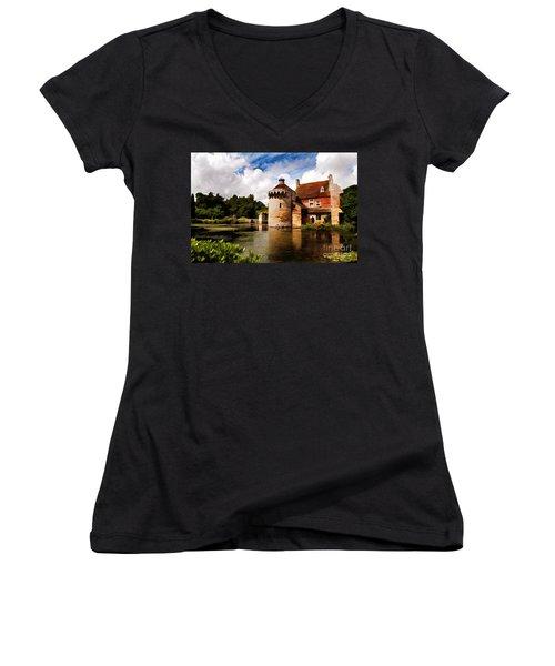 Scotney Castle Women's V-Neck T-Shirt