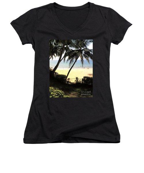 South Beach Women's V-Neck T-Shirt (Junior Cut)