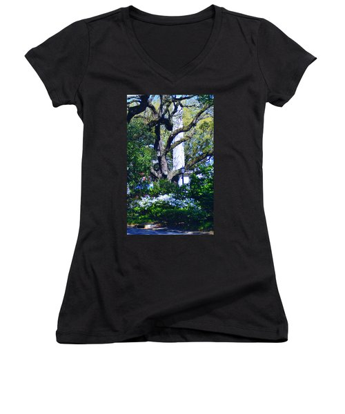 Spring Monolith Women's V-Neck (Athletic Fit)