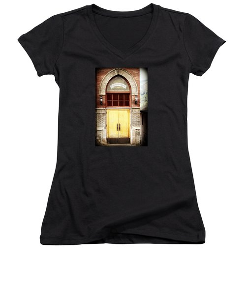 Street View Women's V-Neck (Athletic Fit)