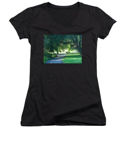 Sydney Botanical Gardens Walk Women's V-Neck T-Shirt