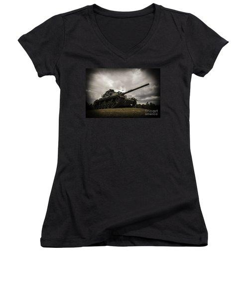 Tank World War 2 Women's V-Neck T-Shirt