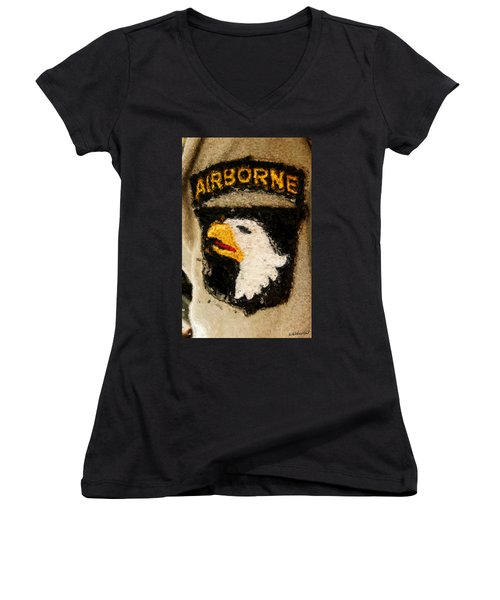 The 101st Airborne Emblem Painting Women's V-Neck