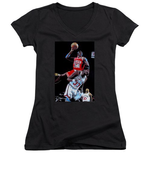 The Dunk Women's V-Neck (Athletic Fit)