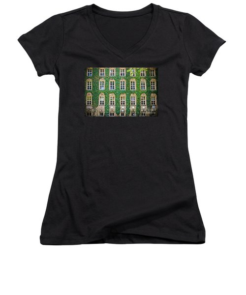The Ivy Walls Women's V-Neck (Athletic Fit)