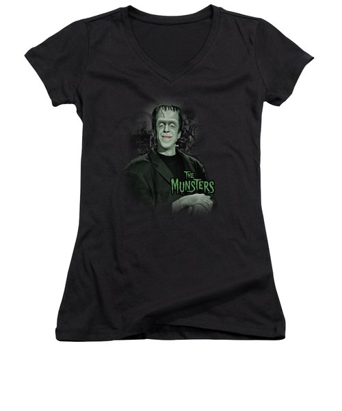 The Munsters - Man Of The House Women's V-Neck T-Shirt