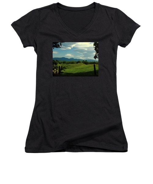 The Sandwich Range 2 Women's V-Neck T-Shirt