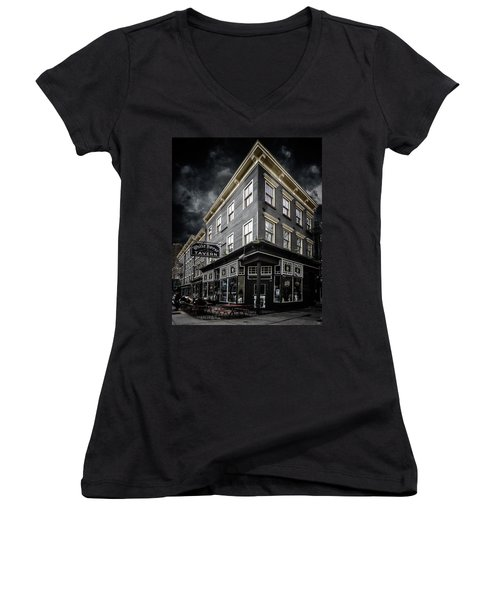 The White Horse Tavern Women's V-Neck T-Shirt