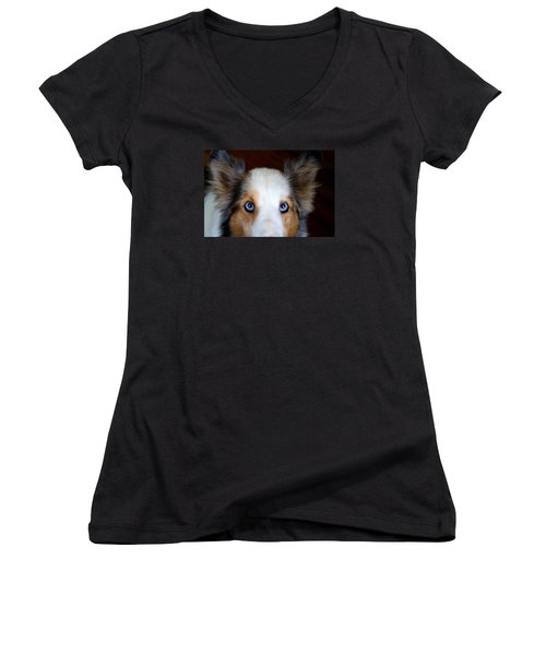 Those Eyes Women's V-Neck T-Shirt