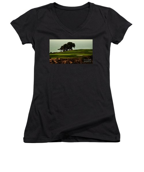 Torrey Pines Golfcourse Women's V-Neck (Athletic Fit)