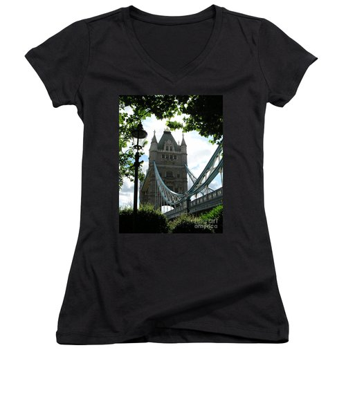 Tower Bridge Women's V-Neck T-Shirt