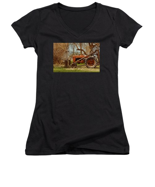 Tractor On Us 285 Women's V-Neck