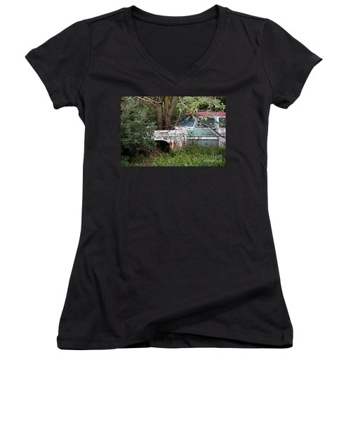 Tree-powered Desoto Women's V-Neck (Athletic Fit)