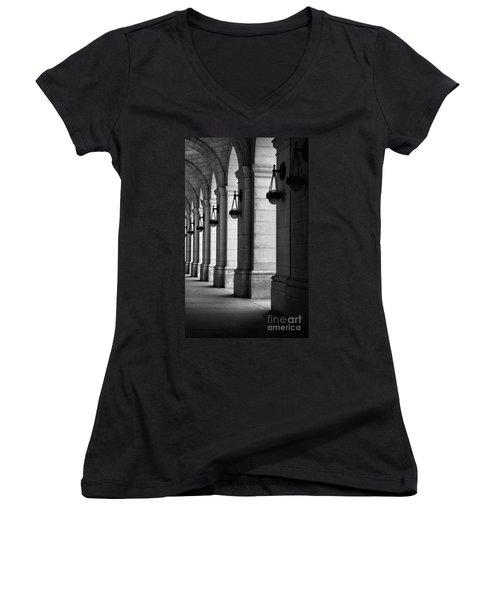 Union Station Washington Dc Women's V-Neck T-Shirt