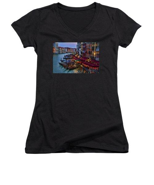 Venetian Grand Canal At Dusk Women's V-Neck T-Shirt