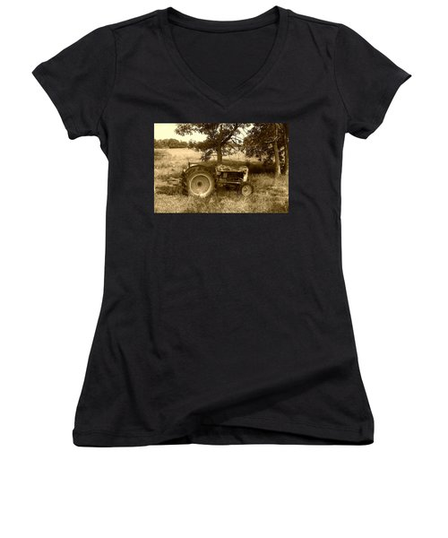 Vintage Tractor In Sepia Women's V-Neck T-Shirt
