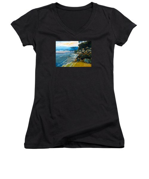 Walomwolla Beach Women's V-Neck T-Shirt