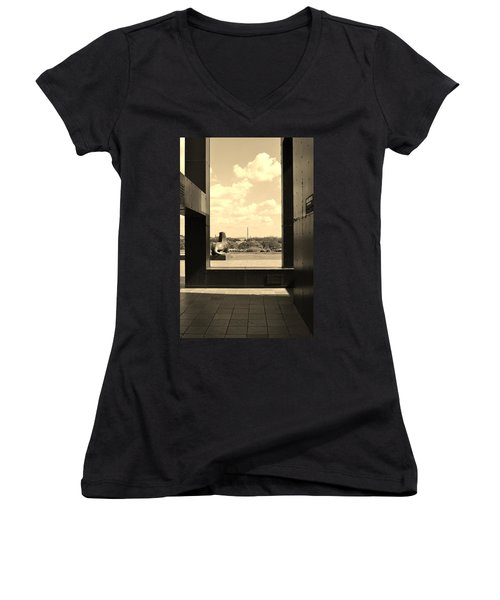 Washington Dc Framed Women's V-Neck T-Shirt (Junior Cut)