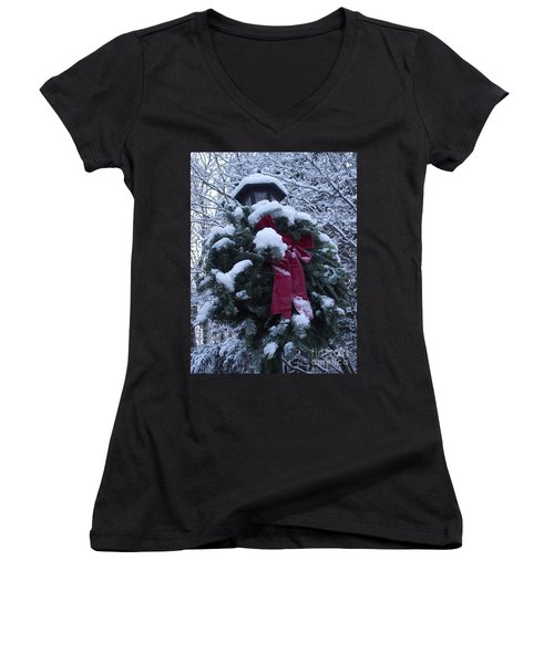 Winter Wreath Women's V-Neck (Athletic Fit)