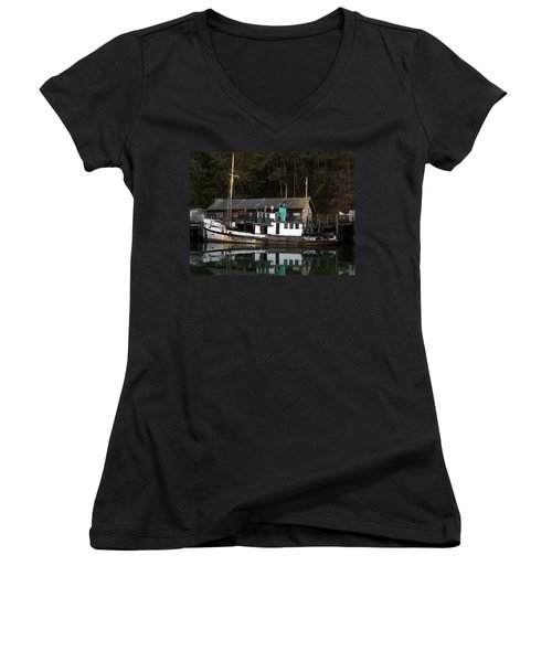 Working Boat Women's V-Neck (Athletic Fit)