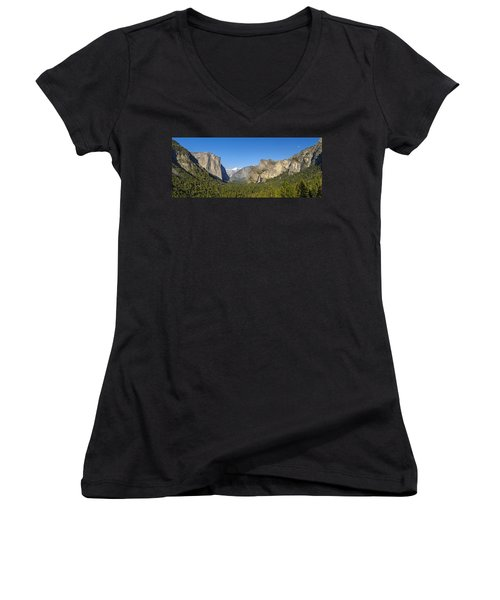 Women's V-Neck T-Shirt featuring the photograph Yosemite Valley Moonrise by Steven Sparks