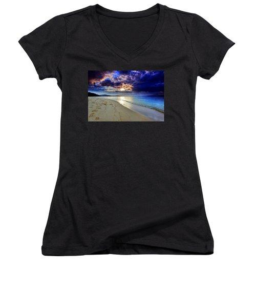 Port Stephens Sunset Women's V-Neck T-Shirt (Junior Cut) by Paul Svensen