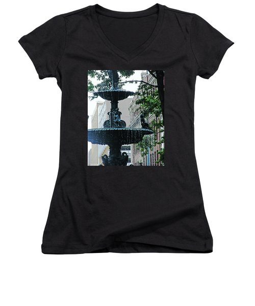 Women's V-Neck T-Shirt (Junior Cut) featuring the photograph Court Square Memphis by Lizi Beard-Ward
