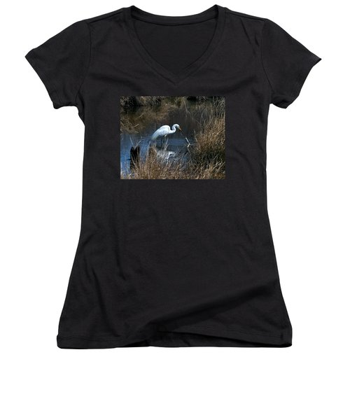 Great Egret With Fish Dmsb0034 Women's V-Neck T-Shirt (Junior Cut) by Gerry Gantt