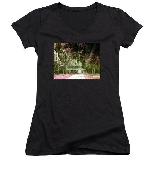 Parlange Plantation Circa 1750 New Roads La Women's V-Neck T-Shirt