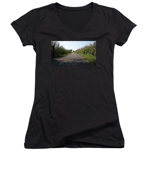 Women's V-Neck T-Shirt featuring the photograph Path To The Bay by Charles Kraus
