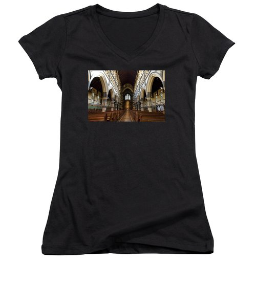 St Pauls Cathedral Women's V-Neck T-Shirt (Junior Cut) by Yew Kwang