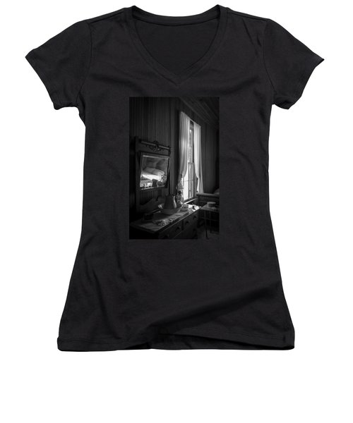 The Empty Bed Women's V-Neck T-Shirt