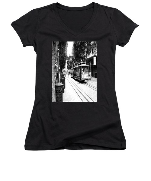 021016 San Francisco Trolly Women's V-Neck (Athletic Fit)