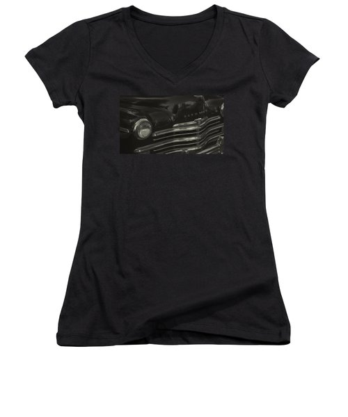1949 Plymouth Deluxe  Women's V-Neck T-Shirt