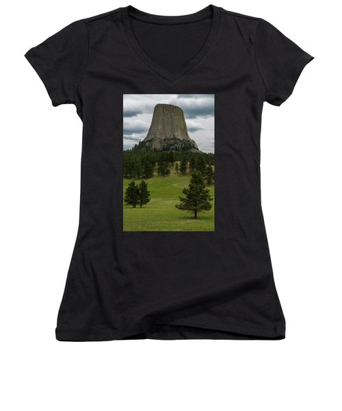 Women's V-Neck T-Shirt featuring the photograph Devil's Tower by Gary Lengyel
