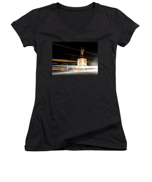 Drake's Statue Traffic Trails Iv Women's V-Neck (Athletic Fit)